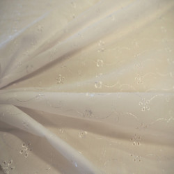 Broderie anglaise blanche
