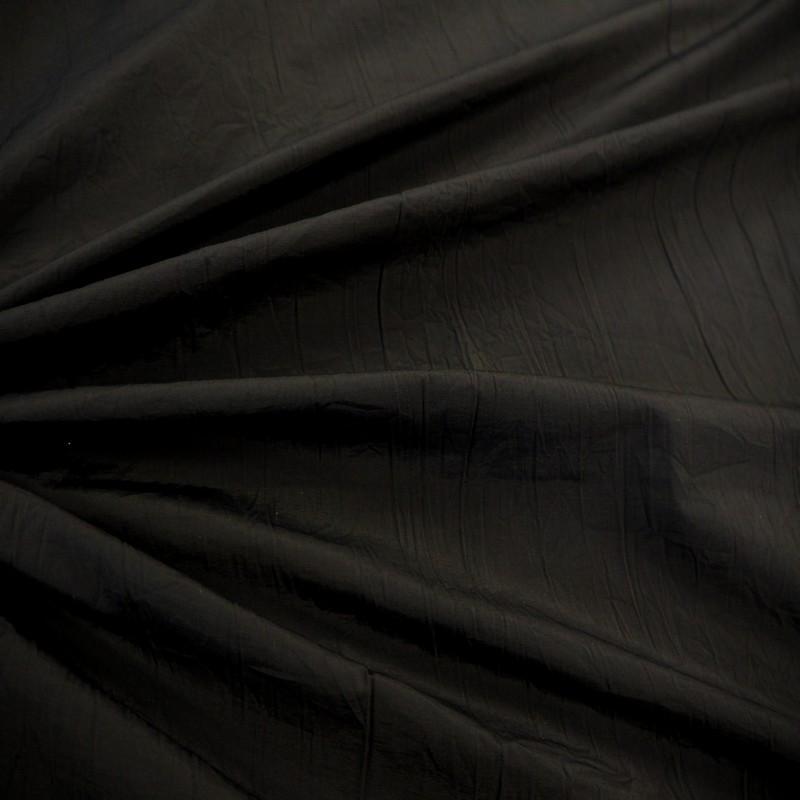 Tissu froissé noir