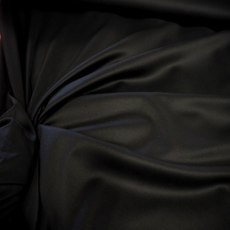 Tissu gabardine noire